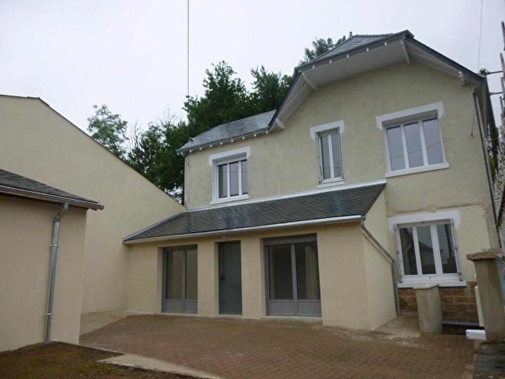 Maison à louer 4 82m2 à Château-Renault vignette-1