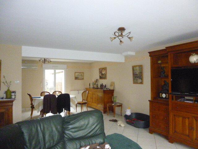 Maison à vendre 8 158m2 à Château-Renault vignette-2