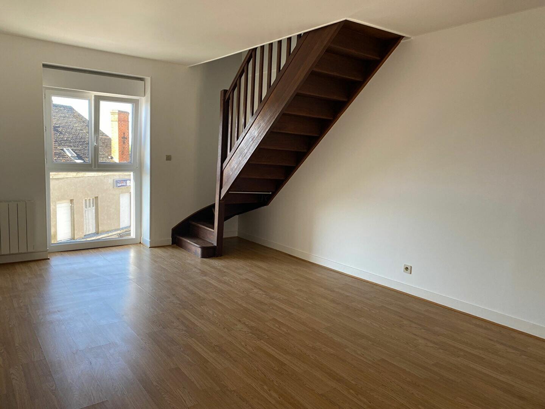 Appartement à louer 3 65.59m2 à Château-Renault vignette-2