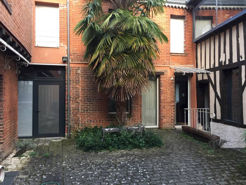 Appartement à louer 2 45m2 à Château-Renault vignette-1