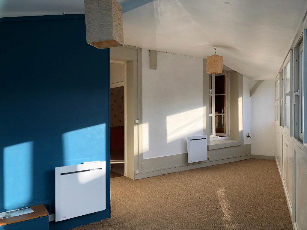 Appartement à louer 3 71.5m2 à Château-Renault vignette-2