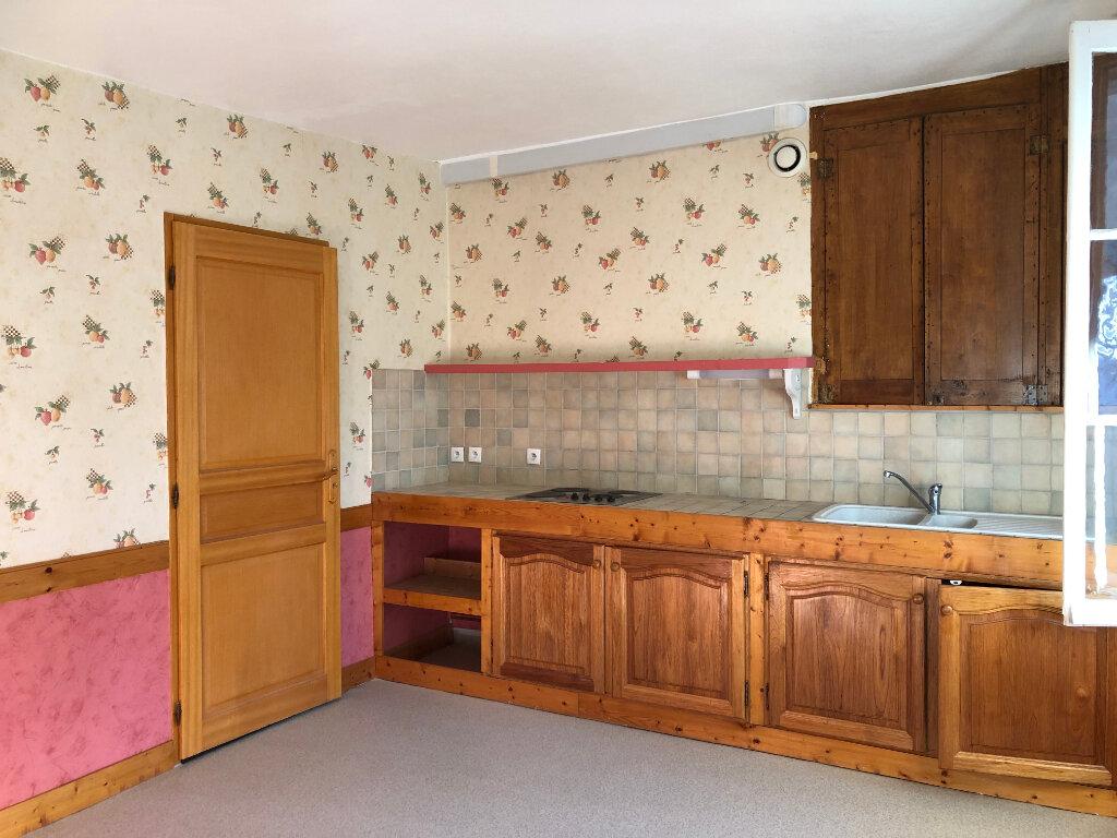 Appartement à louer 3 71.5m2 à Château-Renault vignette-3