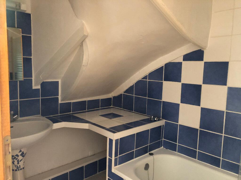 Appartement à louer 3 71.5m2 à Château-Renault vignette-5