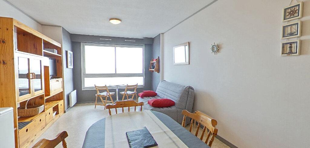 Appartement à louer 1 36m2 à Larmor-Plage vignette-3