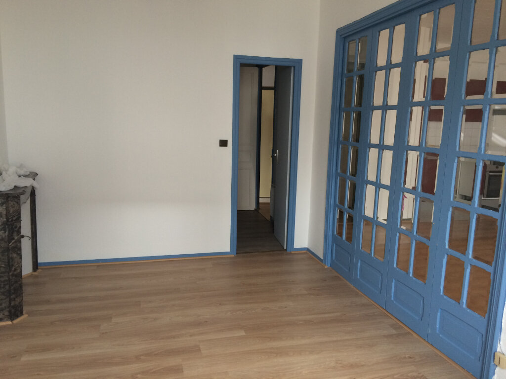 Appartement à louer 2 42m2 à Quimperlé vignette-3