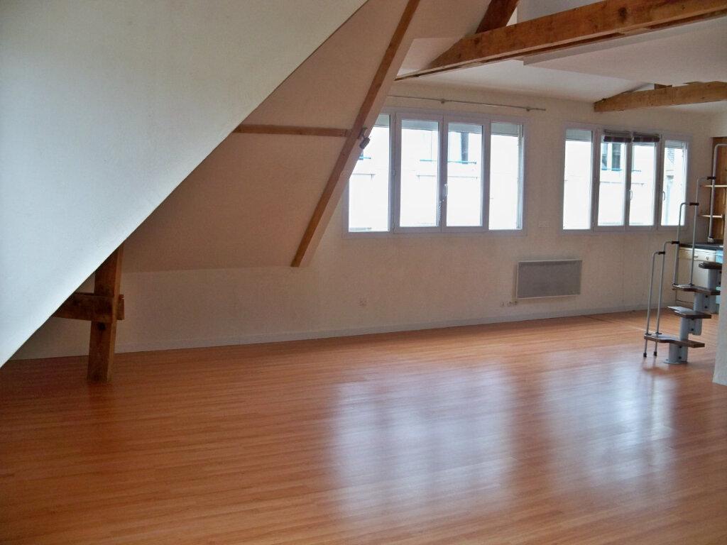Appartement à louer 2 52m2 à Lorient vignette-5