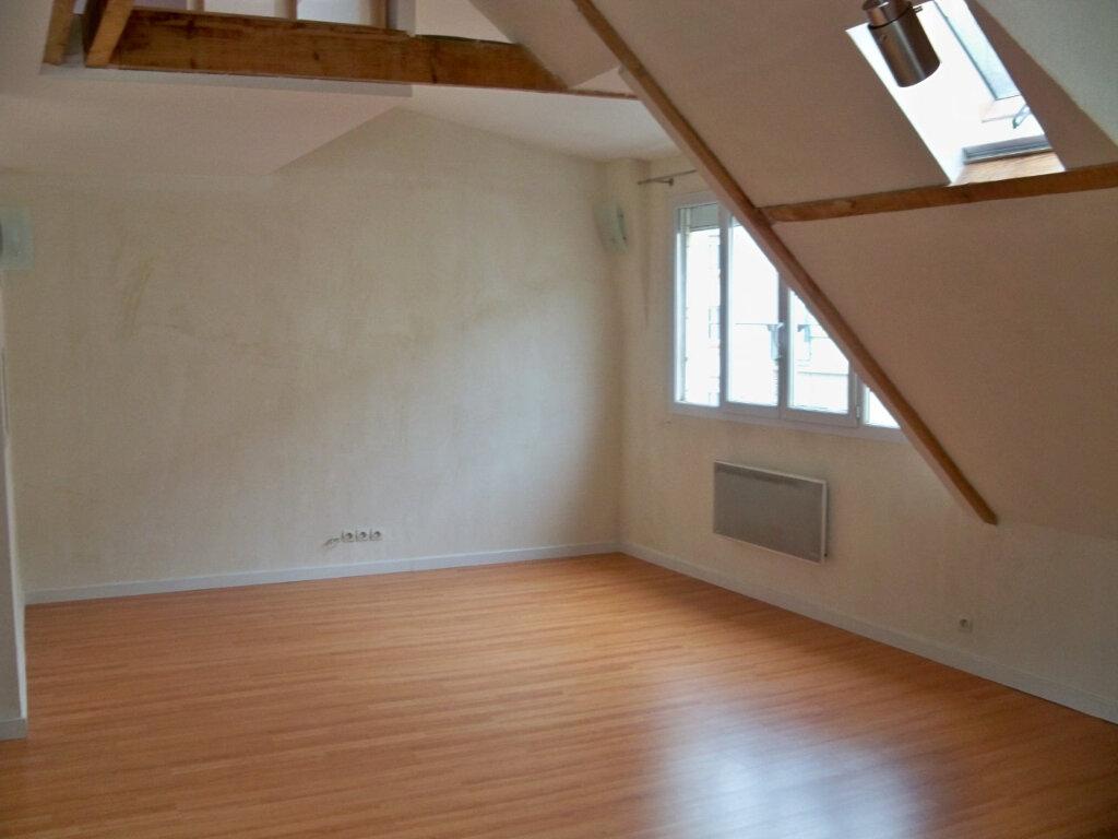 Appartement à louer 2 52m2 à Lorient vignette-6