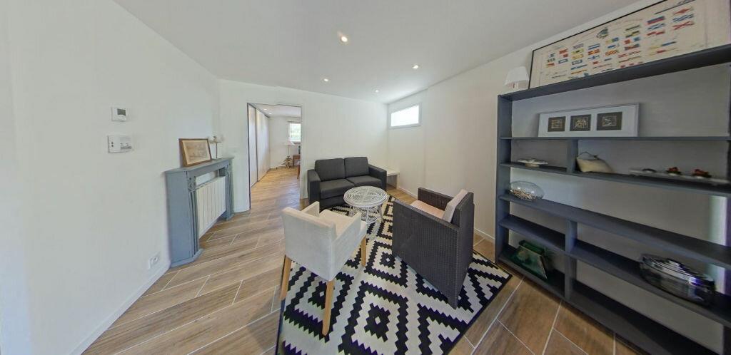 Appartement à louer 2 54.14m2 à Larmor-Plage vignette-3