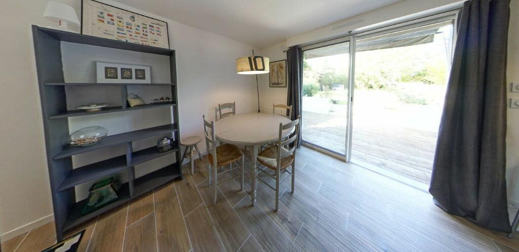 Appartement à louer 2 54.14m2 à Larmor-Plage vignette-4