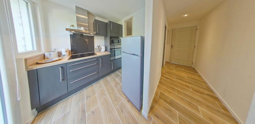 Appartement à louer 2 54.14m2 à Larmor-Plage vignette-6