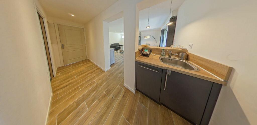 Appartement à louer 2 54.14m2 à Larmor-Plage vignette-7