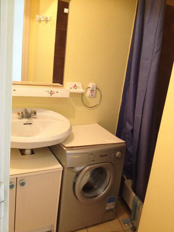 Appartement à louer 1 20m2 à Ploemeur vignette-8