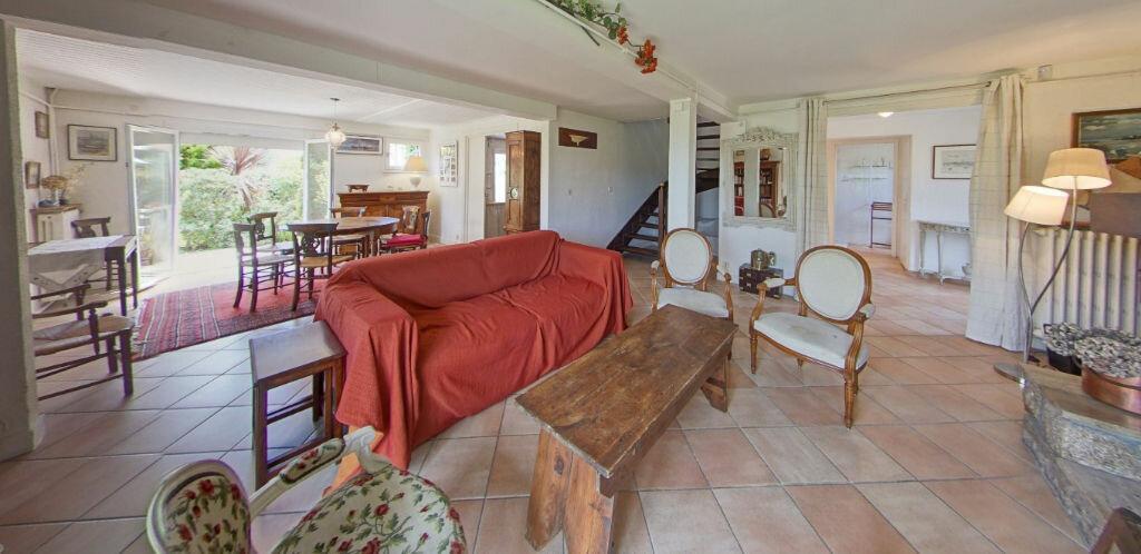 Maison à louer 6 120m2 à Larmor-Plage vignette-2