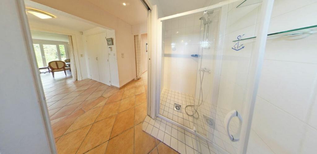 Maison à louer 6 120m2 à Larmor-Plage vignette-7