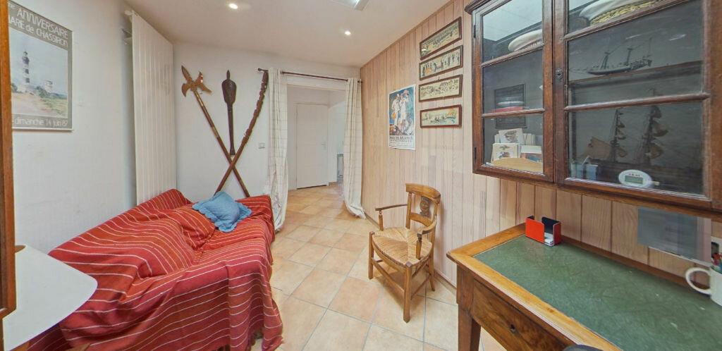 Maison à louer 6 120m2 à Larmor-Plage vignette-9