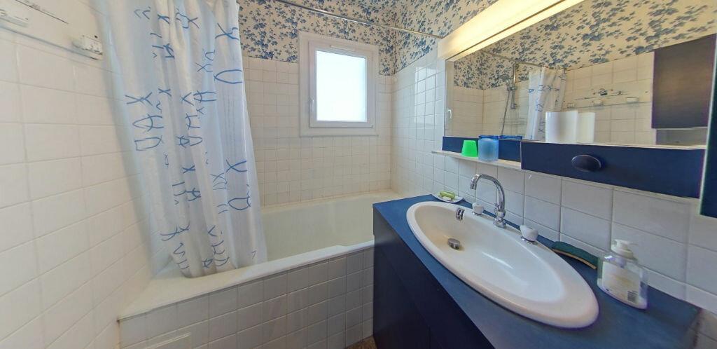 Maison à louer 6 120m2 à Larmor-Plage vignette-17