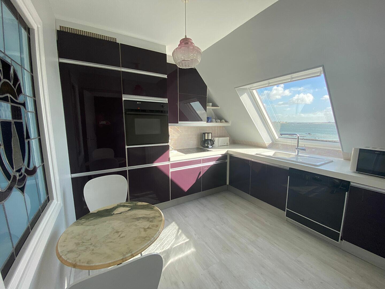 Appartement à louer 4 109m2 à Larmor-Plage vignette-8