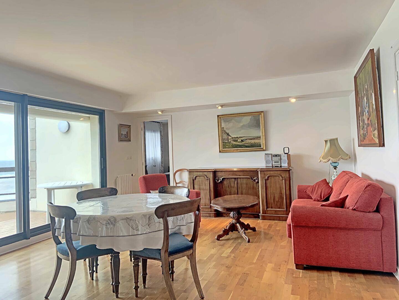 Appartement à louer 4 109m2 à Larmor-Plage vignette-12