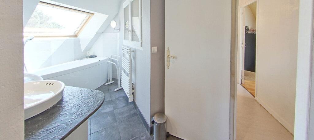 Maison à louer 5 110m2 à Larmor-Plage vignette-17