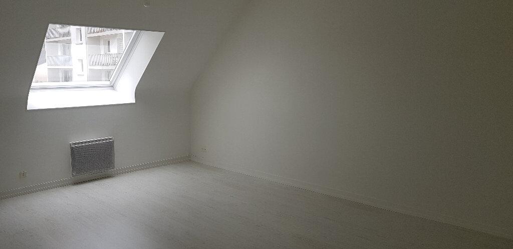 Appartement à louer 2 54m2 à Hennebont vignette-1