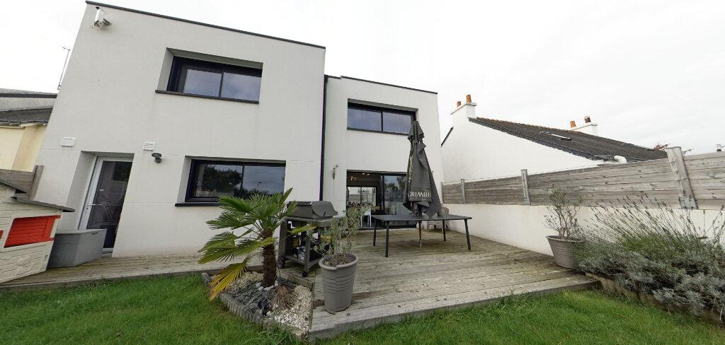 Maison à louer 4 145m2 à Lorient vignette-7