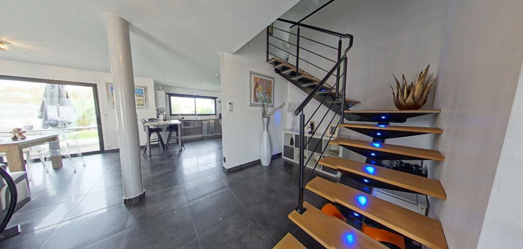 Maison à louer 4 145m2 à Lorient vignette-9
