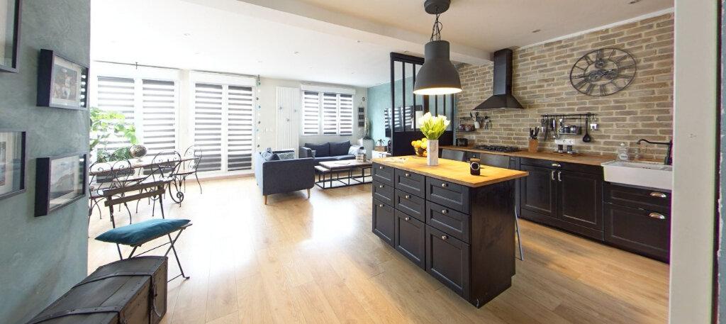 Maison à vendre 9 300m2 à Lorient vignette-1