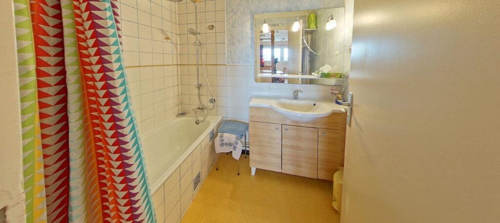 Appartement à louer 3 70m2 à Ploemeur vignette-9