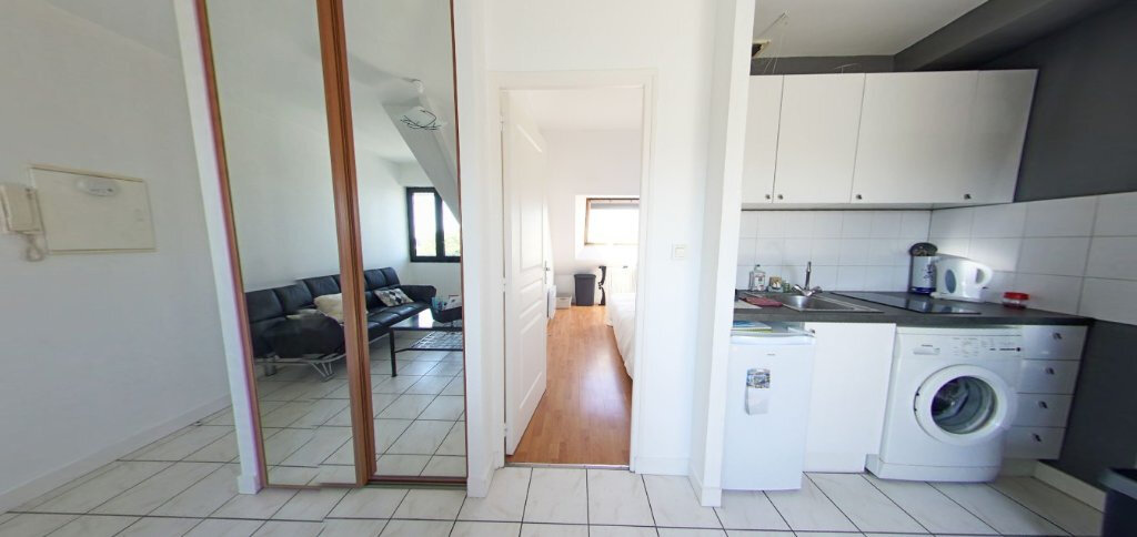 Appartement à louer 2 24.07m2 à Larmor-Plage vignette-1