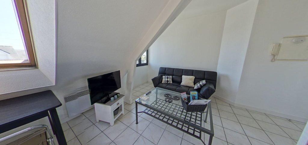 Appartement à louer 2 24.07m2 à Larmor-Plage vignette-2