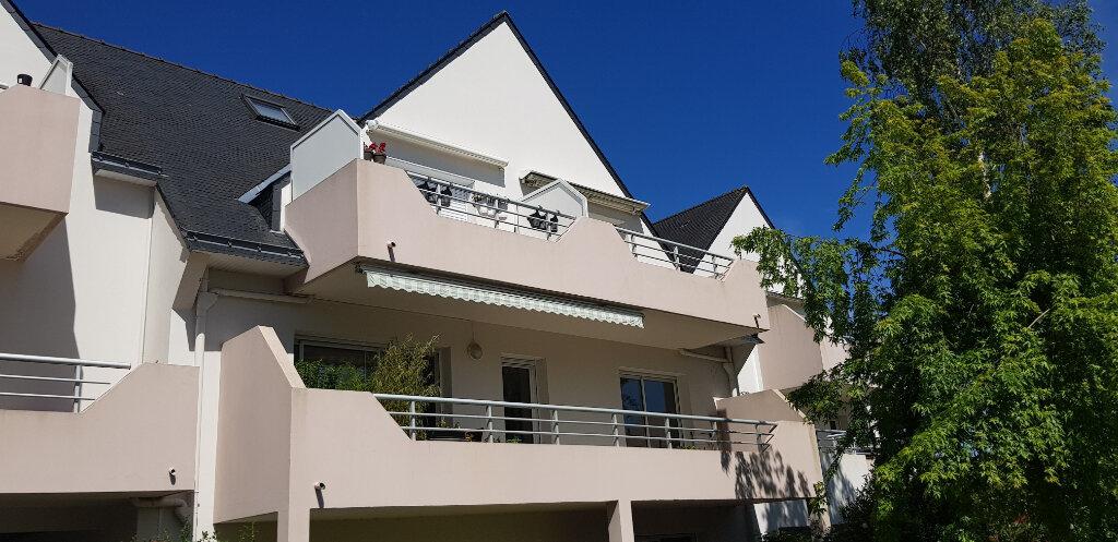 Appartement à louer 2 70.4m2 à Lorient vignette-1