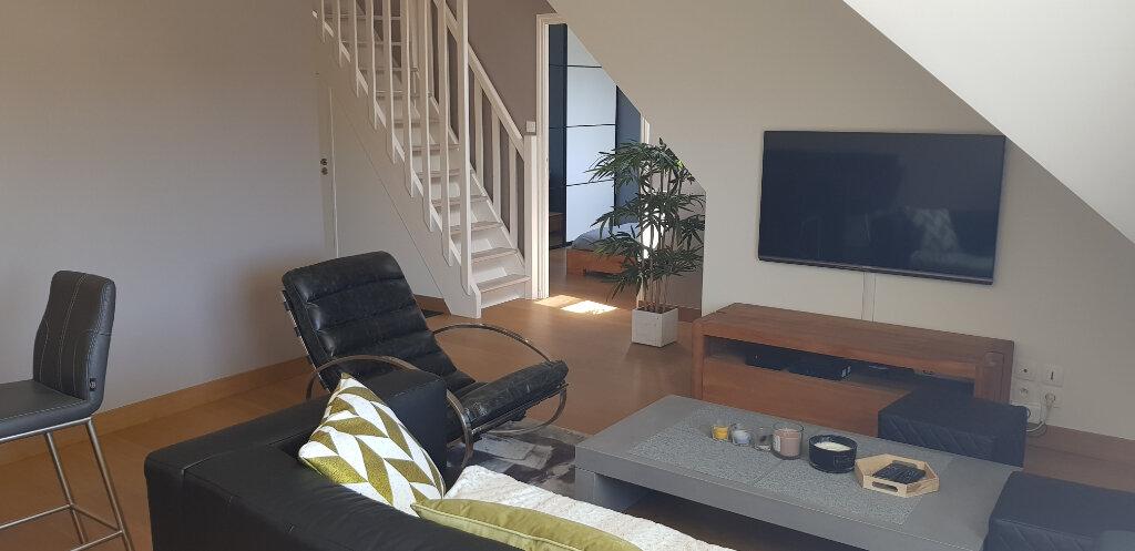 Appartement à louer 2 70.4m2 à Lorient vignette-4