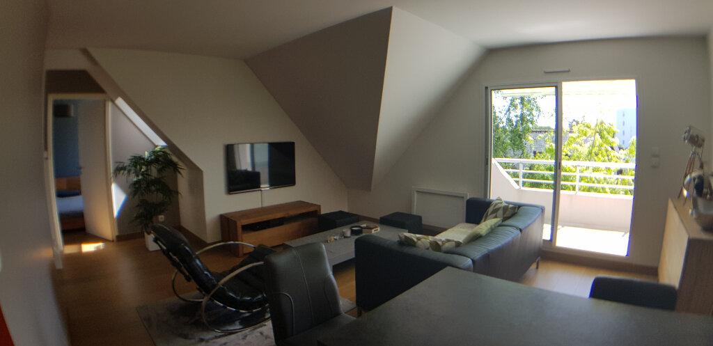Appartement à louer 2 70.4m2 à Lorient vignette-5