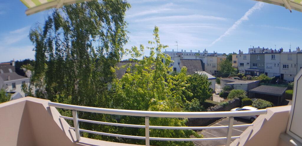 Appartement à louer 2 70.4m2 à Lorient vignette-7