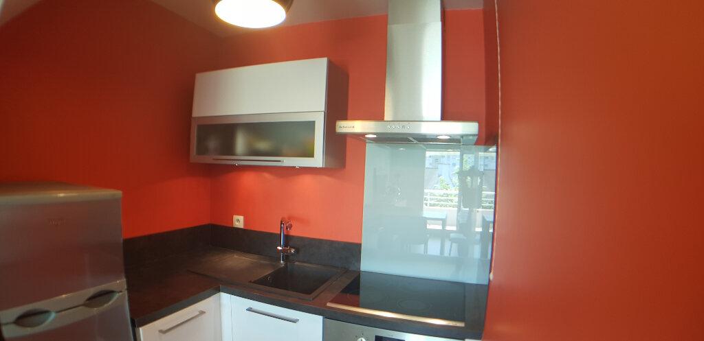 Appartement à louer 2 70.4m2 à Lorient vignette-8