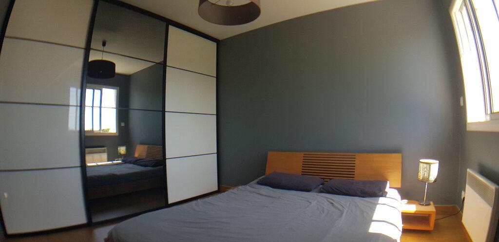 Appartement à louer 2 70.4m2 à Lorient vignette-9