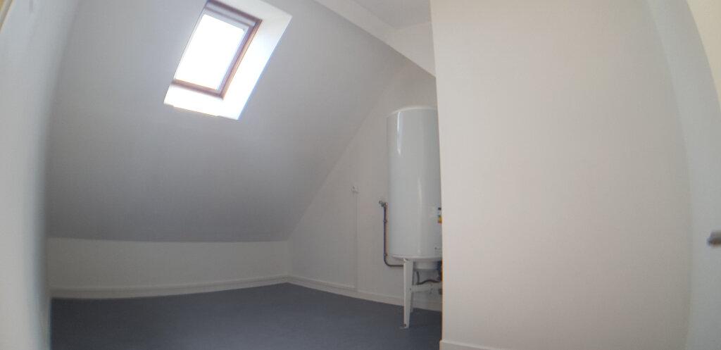 Appartement à louer 2 70.4m2 à Lorient vignette-12