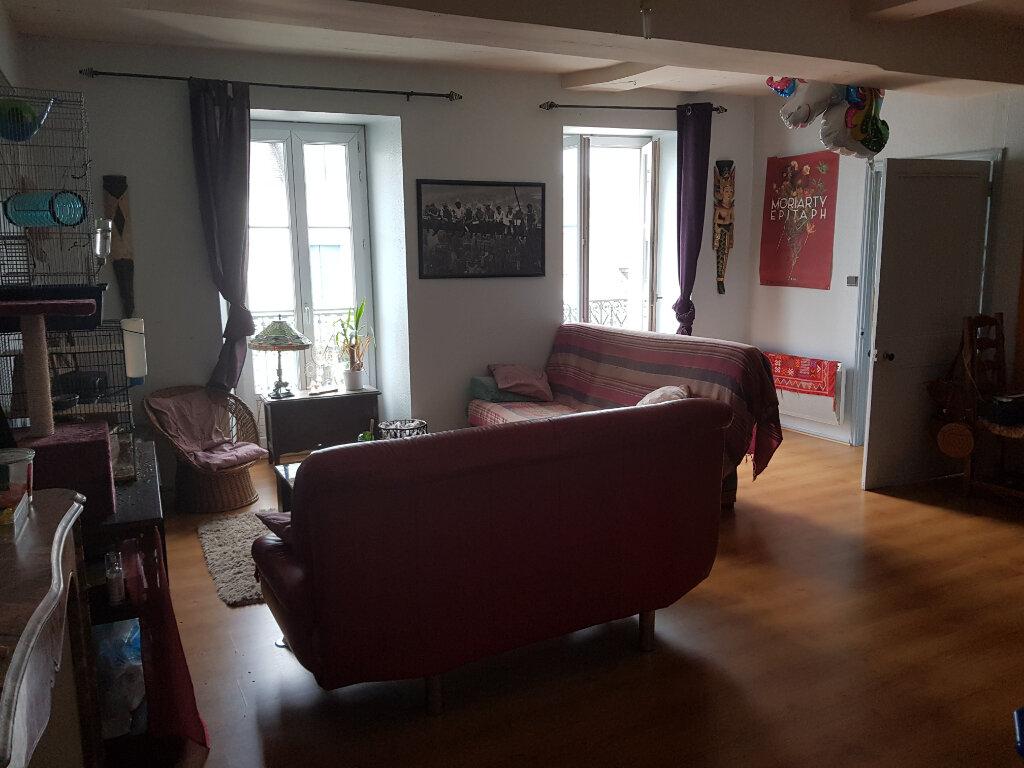 Appartement à louer 2 51m2 à Quimperlé vignette-2