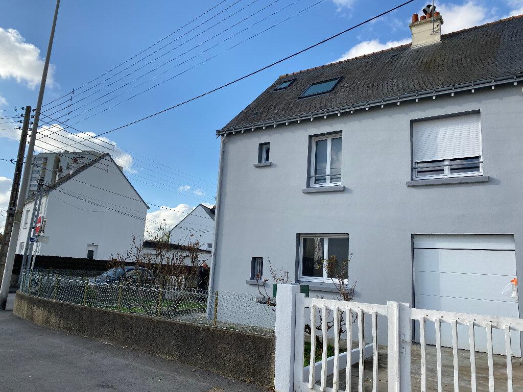 Maison à louer 6 110m2 à Lorient vignette-5