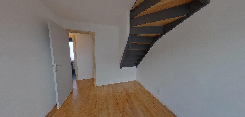Maison à louer 6 110m2 à Lorient vignette-8