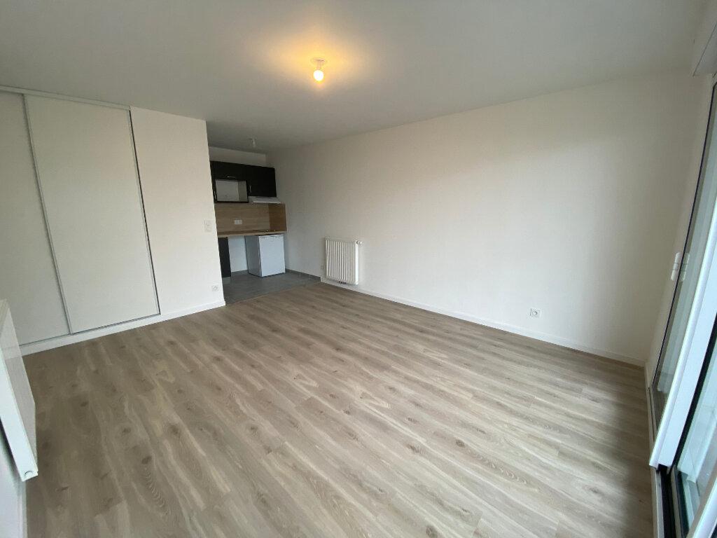 Appartement à louer 2 44m2 à Lorient vignette-4