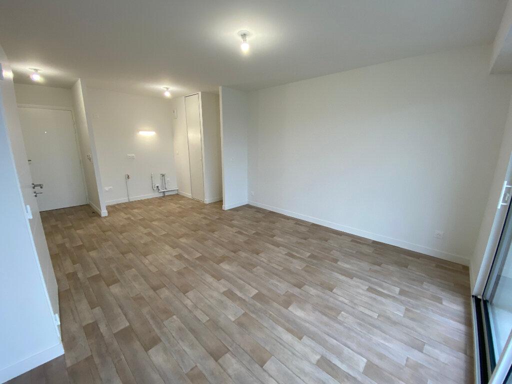 Appartement à louer 2 40.4m2 à Hennebont vignette-3