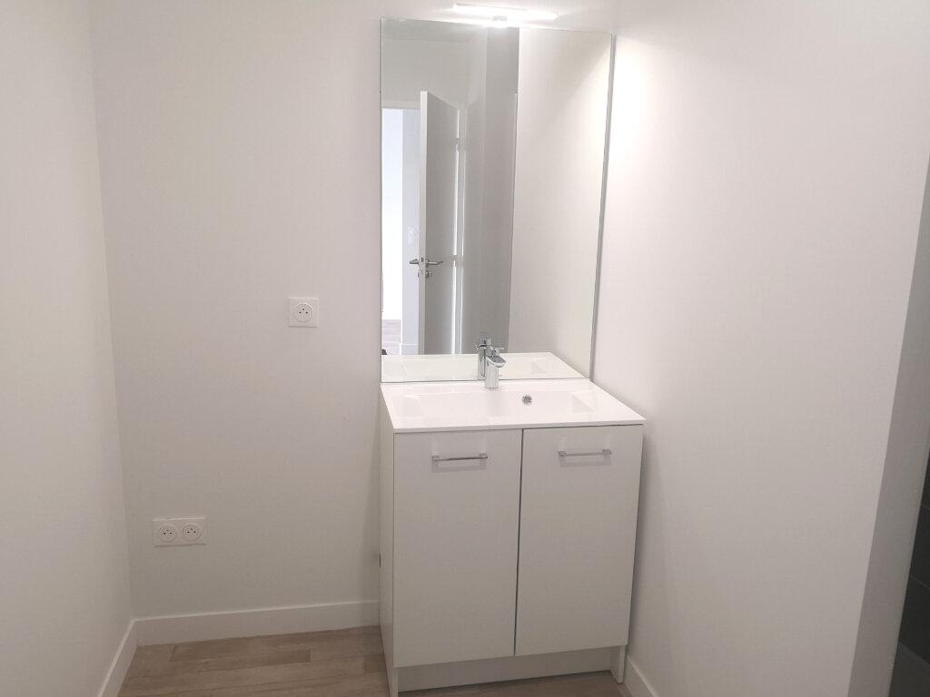 Appartement à louer 2 40.4m2 à Hennebont vignette-7