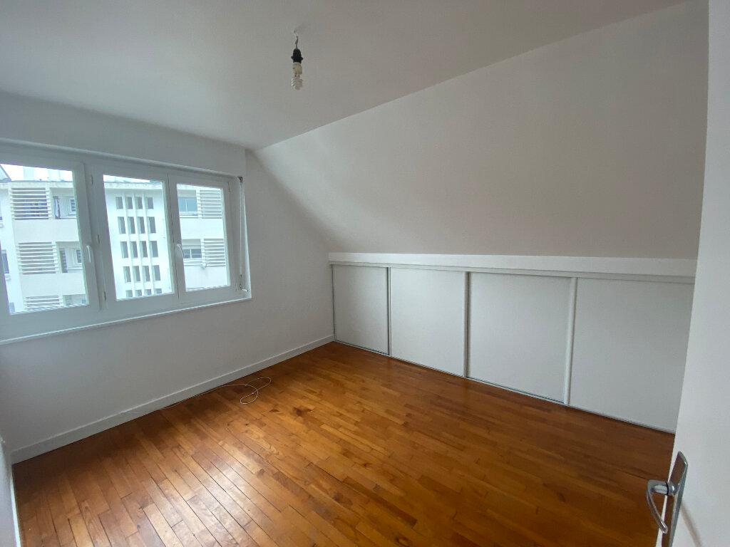 Appartement à louer 2 70m2 à Lorient vignette-5
