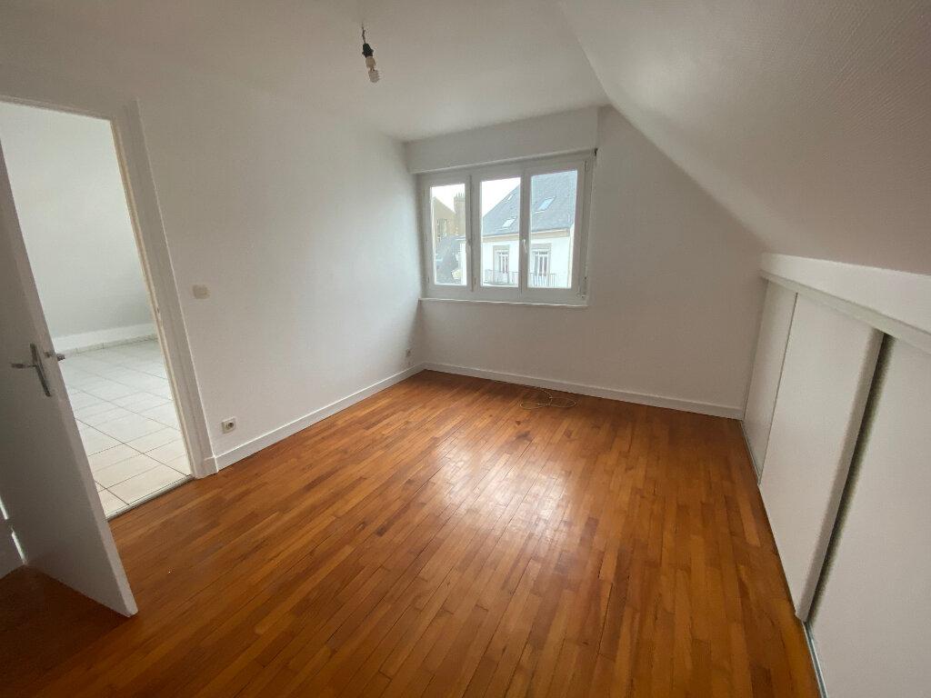 Appartement à louer 2 70m2 à Lorient vignette-6