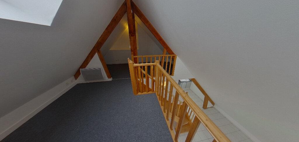 Appartement à louer 2 70m2 à Lorient vignette-9