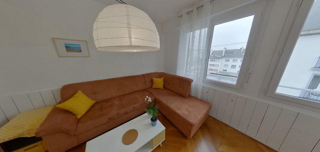 Appartement à louer 1 15m2 à Lorient vignette-2