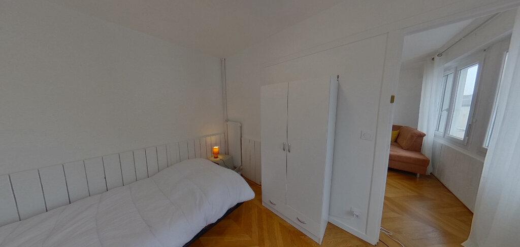 Appartement à louer 1 15m2 à Lorient vignette-4