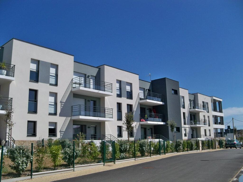 Appartement à louer 2 41.92m2 à Larmor-Plage vignette-1