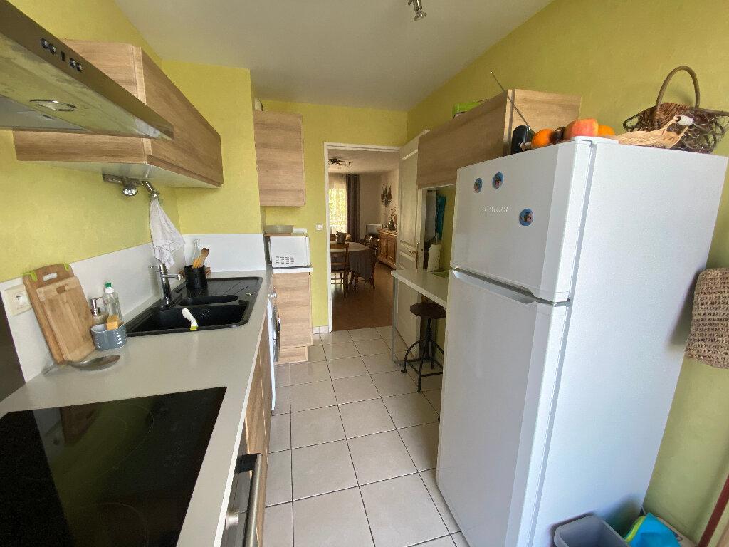Appartement à louer 3 63.4m2 à Lorient vignette-4